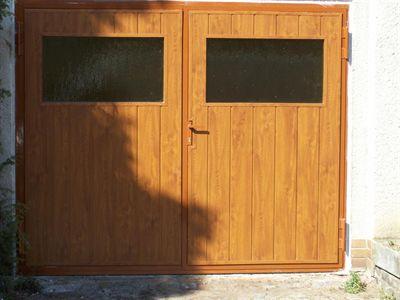 Plastová garážová vrata